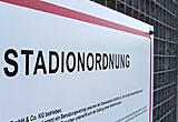 Auf diesem Bild sieht man die Stadionordnung der DKB-Arena.