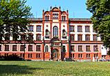 Auf diesem Bild sieht man das Hauptgebäude der Rostocker Uni.